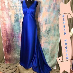💙 💙Alfred Angelo Marvelous Mermaid Gown w/ train